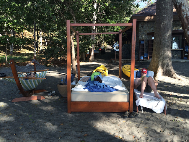 Prieta Beach Club, Costa Rica: Beach chair, hammock and bed