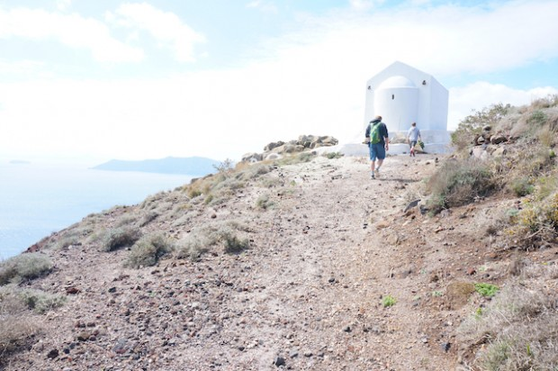 Walking from Fira to Oia, Santorini, Greece.