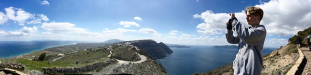 Walk from Fira to Oia, Santorini, Greece
